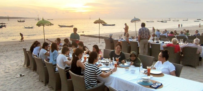 Beach Dinner with Ryubi College Students